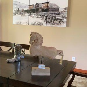 Vida Cultura Solid Wood Carved Horse